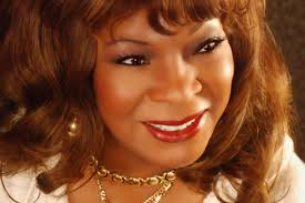 Martha Reeves dazzles during show!
